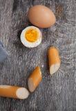 在桌上的奶蛋烘饼 图库摄影
