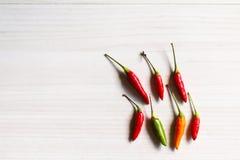 在桌上的新鲜的红辣椒 库存图片