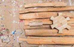 在桌上的木玩具块 免版税库存图片
