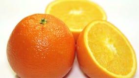 在桌上的橙色自转,特写镜头 股票录像