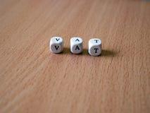 在桌上的白色模子与文本VAT 免版税库存照片