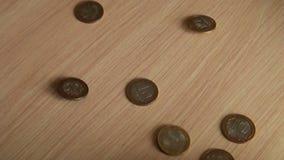 在桌上的硬币 股票视频