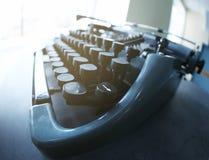 在桌上的老打字机, 库存图片