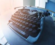 在桌上的老打字机, 库存照片