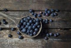 在桌上的蓝莓 免版税库存照片