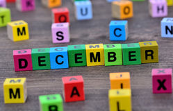 在桌上的12月词 库存照片