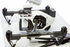 在桌上的Quadrocopter成套工具 库存照片