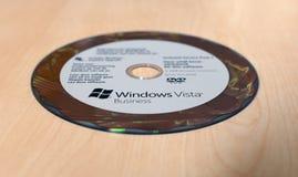 在桌上的Windows比斯塔事务DVD 免版税库存照片