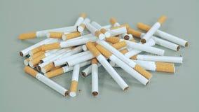 在桌上驱散的香烟 影视素材
