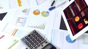 在桌面上的商业文件 股票录像