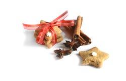 在桌2014年11月17日上的圣诞节自创姜饼曲奇饼 库存图片