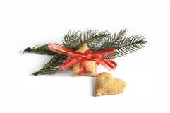 在桌2014年11月17日上的圣诞节自创姜饼曲奇饼 库存照片
