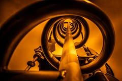 在桔子的金属螺旋 库存图片