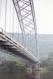 在桥梁下 免版税库存图片