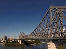 在桥梁布里斯班河跨过故事 库存图片