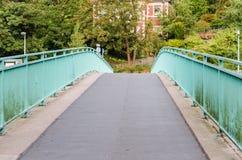 在桥梁的不尽的路 库存图片