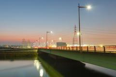 在桥梁的光足迹 库存图片
