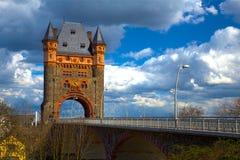 在桥梁的塔 库存照片