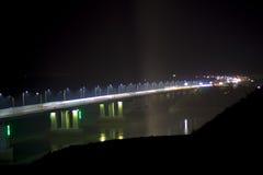 在桥梁的夜 免版税库存照片