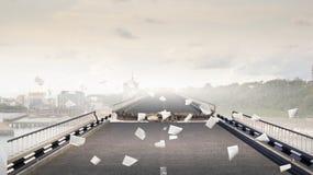 在桥梁的工程学差错 混合画法 免版税库存照片