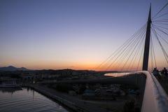 在桥梁的日落 库存图片