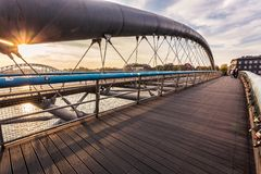 在桥梁的日落 免版税库存图片