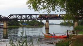 在桥梁的火车在河Kwai 股票录像
