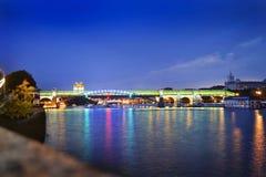在桥梁的看法在高尔基公园在莫斯科 免版税库存图片