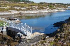 在桥梁的美丽的景色在挪威海湾 图库摄影