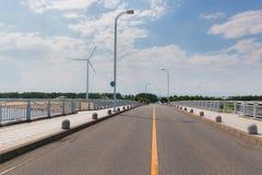 在桥梁的路在运输的海建筑学 库存照片