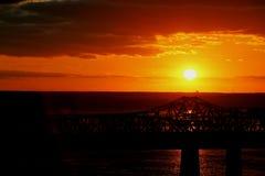 在桥梁3的日落 免版税库存照片