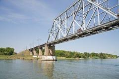 在桥梁间顿河 免版税库存图片