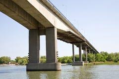 在桥梁间顿河 库存图片