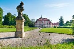 在梅利尼克,中波希米亚州,捷克共和国附近的巴洛克式的Libechov城堡 免版税图库摄影