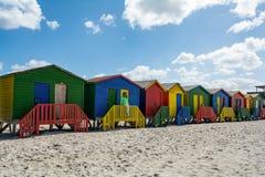 在梅曾贝赫海滩的Beachhouses,开普敦,南非 库存照片