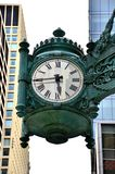 在梅西百货公司企业创办的芝加哥时钟 免版税图库摄影
