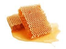 在梳子的新鲜的蜂蜜 免版税库存图片