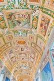 在梵蒂冈博物馆的画廊天花板梵蒂冈的,罗马, 库存照片