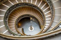 在梵蒂冈博物馆,罗马的Bramante台阶 免版税库存照片