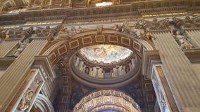 在梵蒂冈的圣彼得大教堂 库存照片