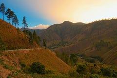在棉兰印度尼西亚的山 免版税库存图片