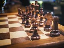 在棋盘比赛休闲的国际象棋棋局 库存图片