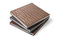 在棕色皮革盖子的书 库存图片