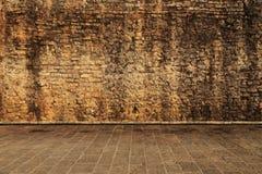 在棕色颜色的墙壁 免版税库存照片