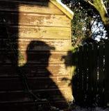 在棚子的阴影,阴险,恐吓 免版税库存图片