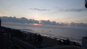 在森山海滩的日出 库存图片