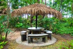 在森林的竹小屋 免版税库存照片