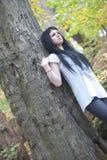 在森林站立的备选模型 图库摄影
