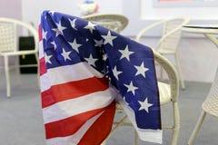 在椅子的美国国旗 库存照片