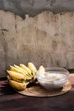 在椰奶,泰国沙漠的香蕉 库存图片